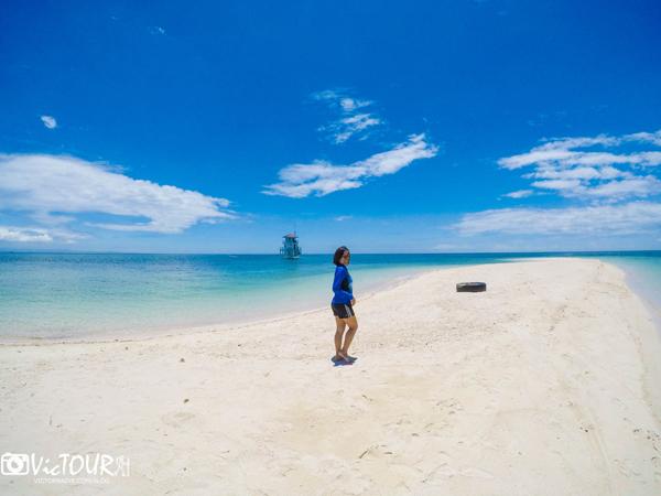 Fay at Agutayan Island