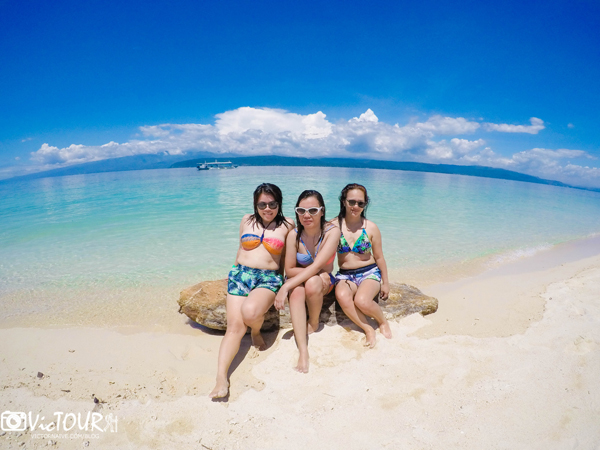 ladies at agutayan island